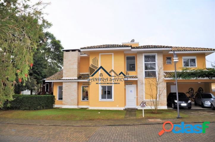 Ótima casa em condomínio muito bem localizado!
