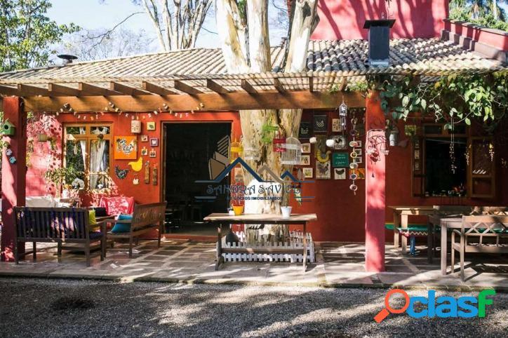Casa rústica com muito estilo e charme!!