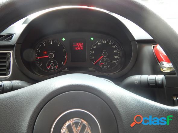 Volkswagen fox 1.0 mi total flex 8v 5p vermelho 2013 1.0 flex