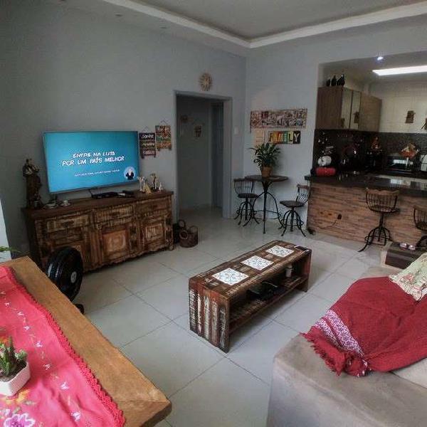 Apartamento 2 quartos, dependências de empregada, centro