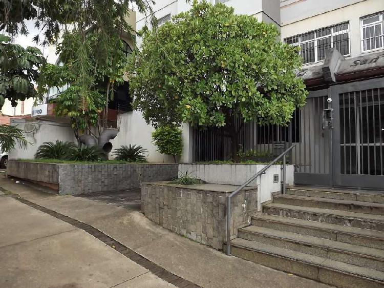 Apartamento com dois quartos com suíte e garagem no setor