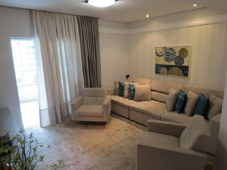 Apartamento mobiliado com 03 quartos perto da praia!