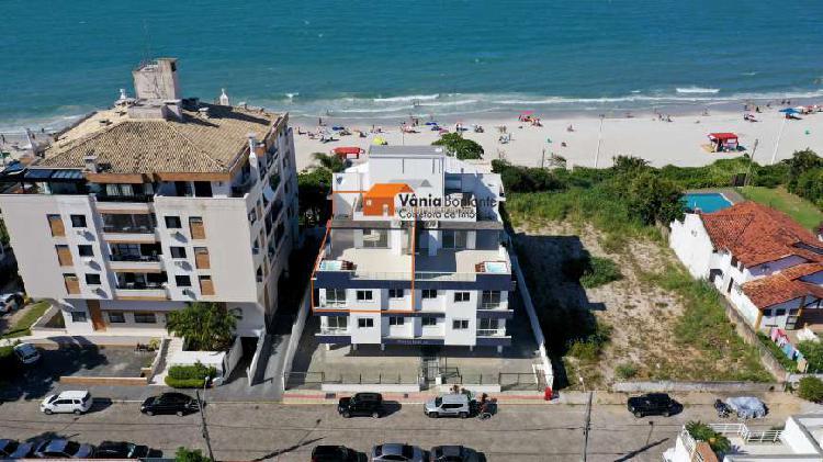 Apto duplex com cobertura e vista mar com pé na areia em