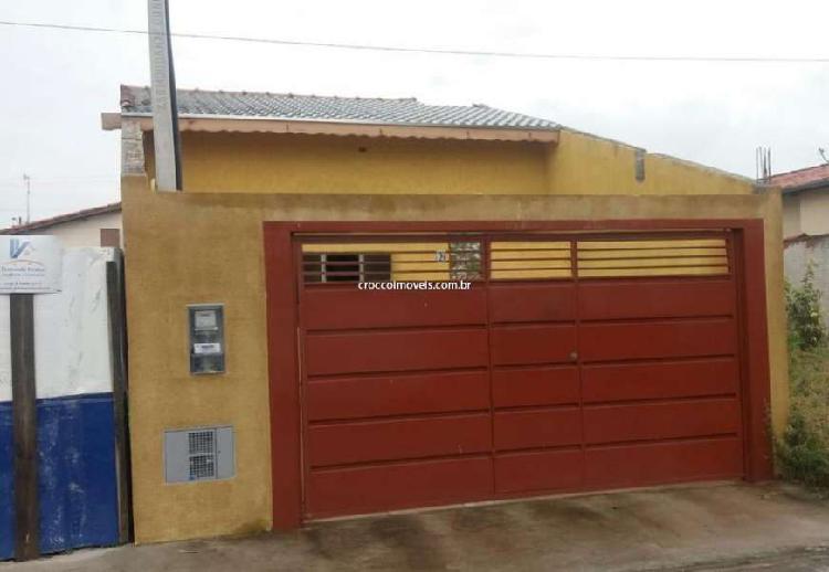 Casa padrão para à venda com 2 quartos 1 sala 74 m2 no