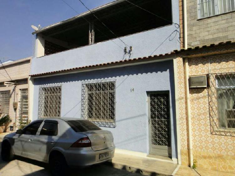Casa térrea em vila com rgi em realengo. janelas com