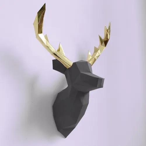 Cervo cinza e dourado low poly para decoração feito de
