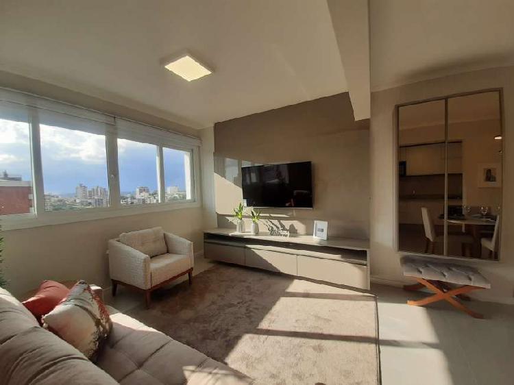 Apartamento novo, mobiliado e decorado em cidade alta -