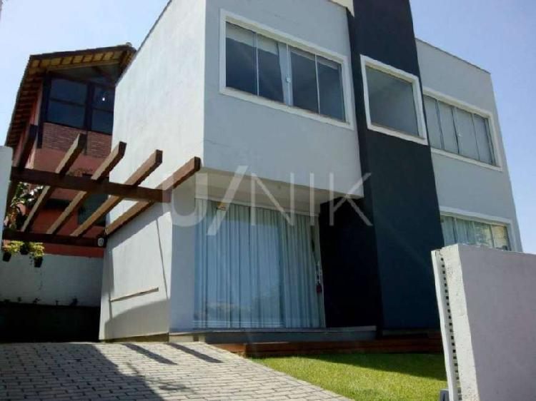 Casa individual com 2 suítes à venda em florianópolis,