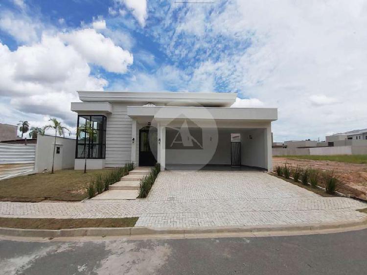 Casa à venda no bairro Jardim Itália em Cuiabá/MT