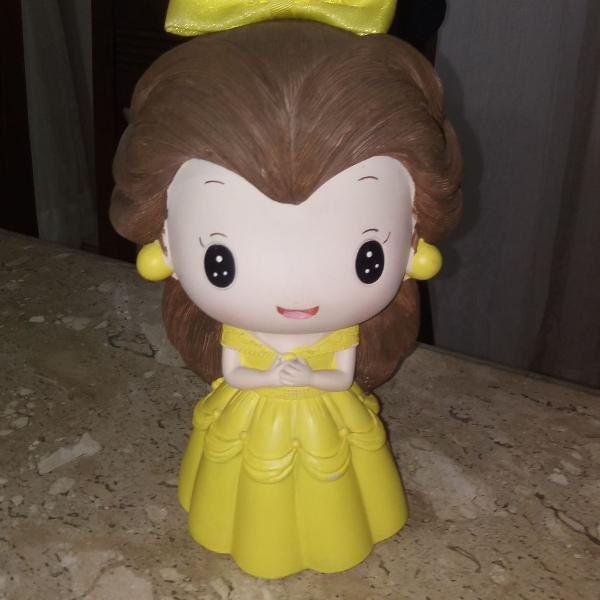 Boneca cofrinho bela