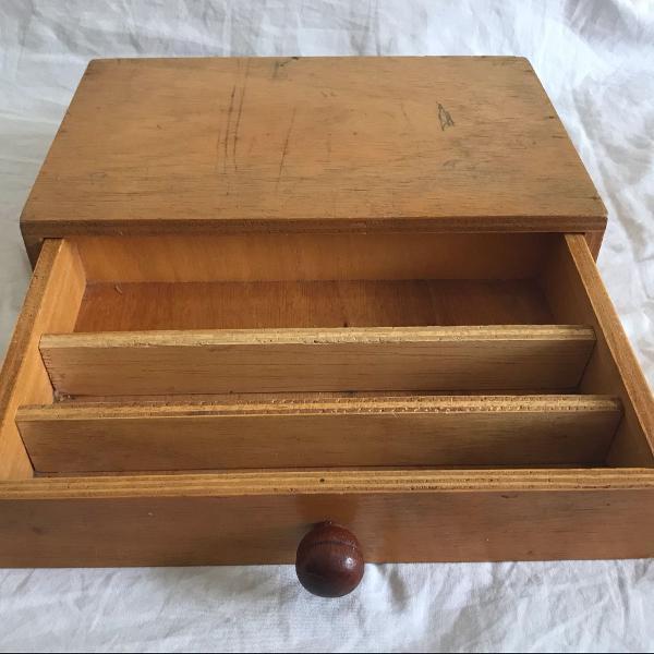 Gaveta organizadora portátil em madeira