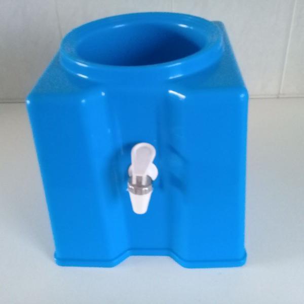 Suporte para galão garrafão de água 10 e 20 litros azul