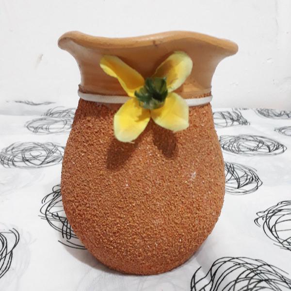 Vaso texturado floral