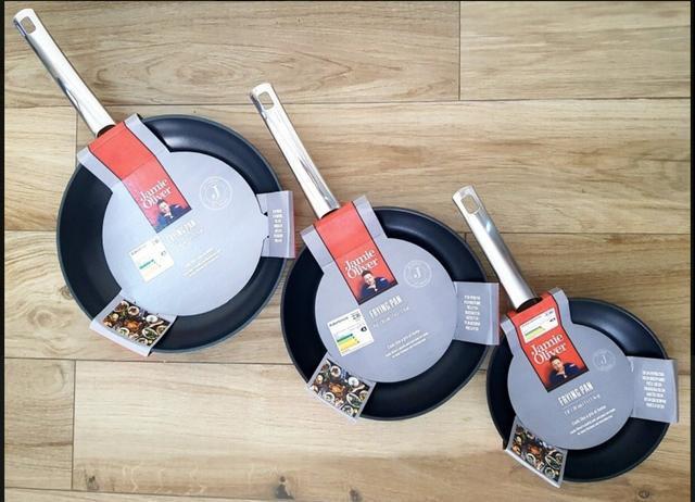 Kit 3 frigideiras jamie oliver (20 24 e 28cm) panelas pão