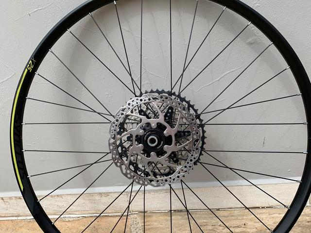 Roda traseira syncros x25
