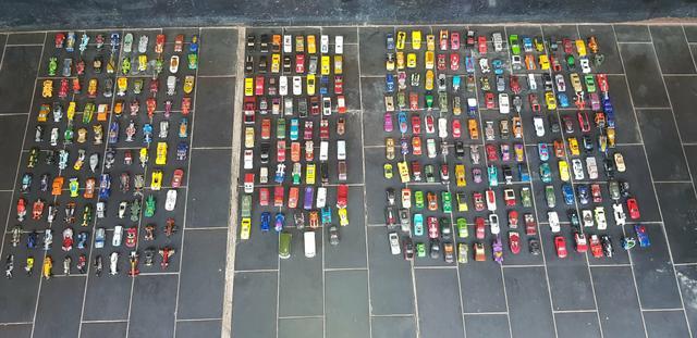 Coleção hot wheels + de 300 peças