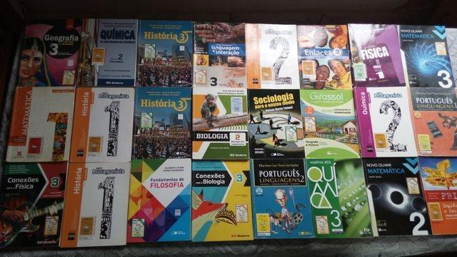 Coleção de livros do ensino fundamental e médio