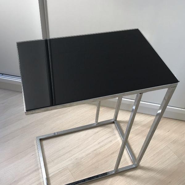 Mesa lateral vidro e cromada