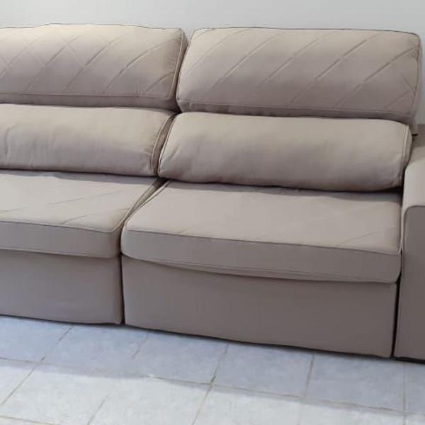 Vende-se sofá retrátil e reclinável