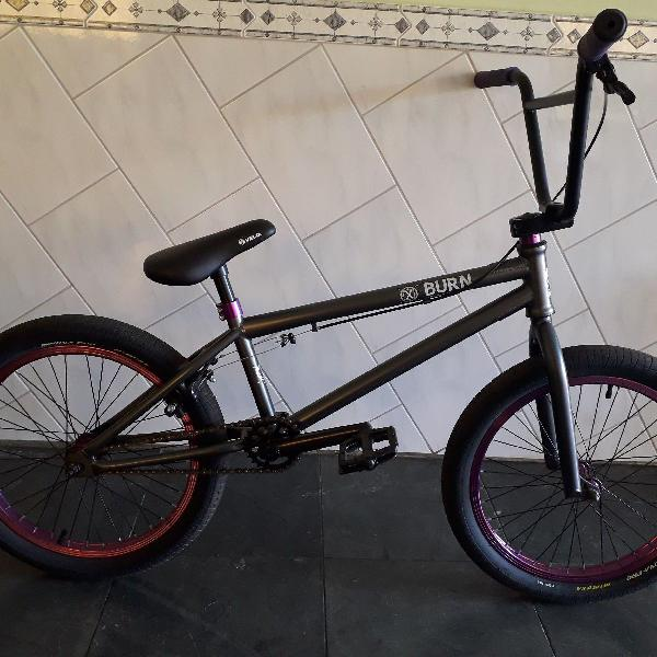 Bicicleta bmx burn