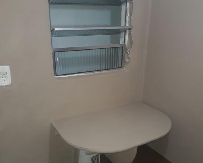 Quarto individual em hostel masculino