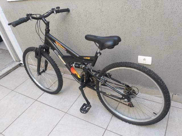 Bicicleta aro 24 full suspension