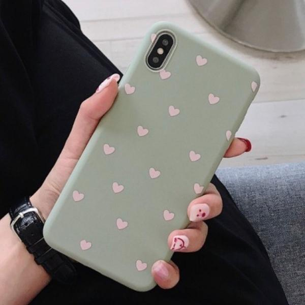 Case iphone 6s verde c/ corações brancos