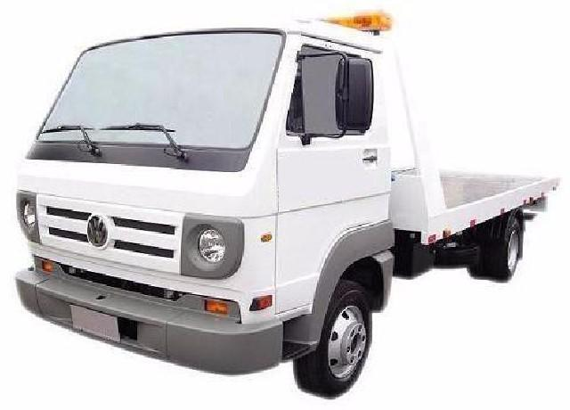 Agrega-se caminhão reboque guincho