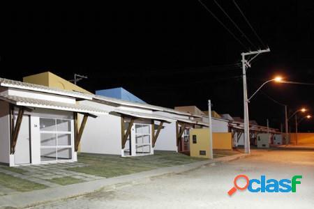 Casa em condomínio fechado na santa mônica ii.
