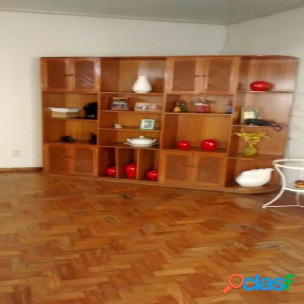Casa com 400 m² próximo a avenida getúlio vargas