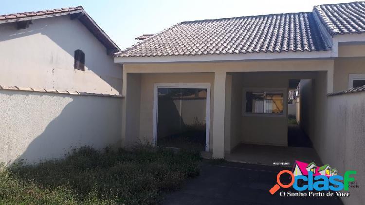 Casa de 3 quartos bem localizada em itaipuaçú!