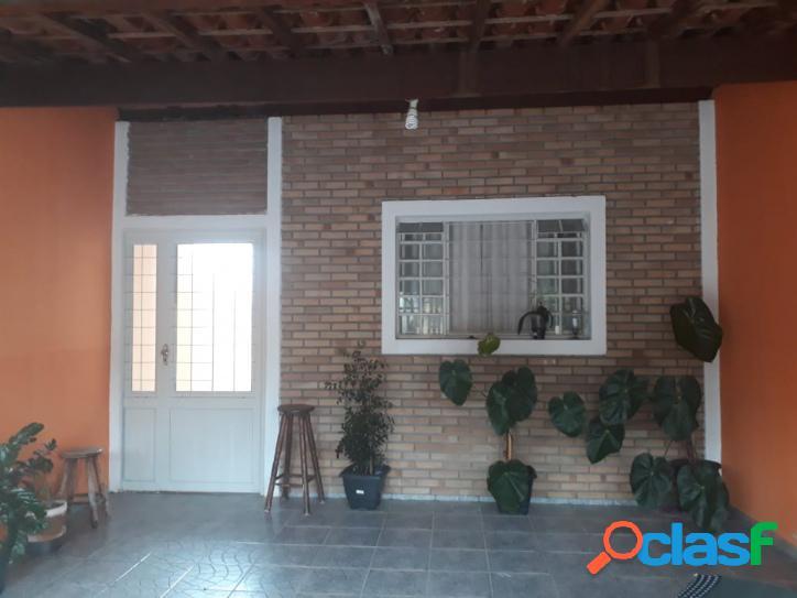 Excelente Casa 03 quartos, à venda, Vila Tatetuba, São José dos Campos