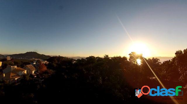 Terreno com 750m2 no bairro joão paulo - florianópolis