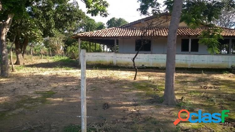 Oportunidade! 30 hectares, casa com varanda, curral - só r$ 300 mil