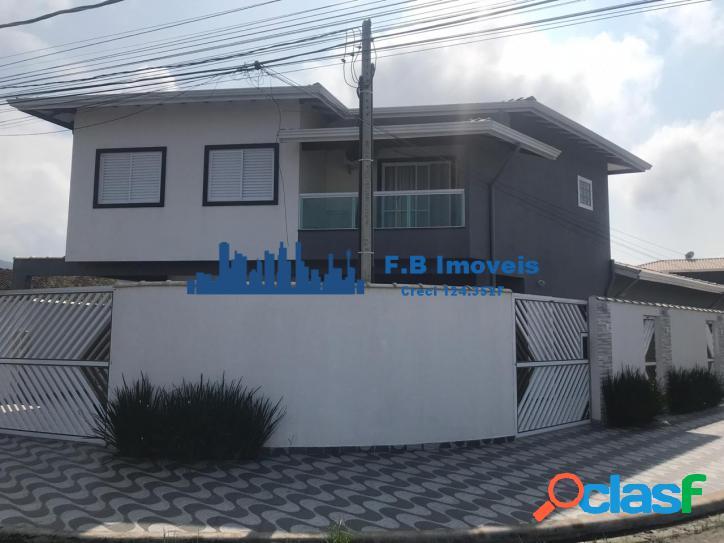 Linda casa condomínio com 2 dorm c/ vaga de garagem jd real
