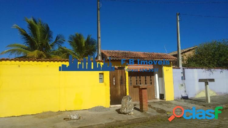Vende casa 2 dorms no bairro jamaika em itanhaém.