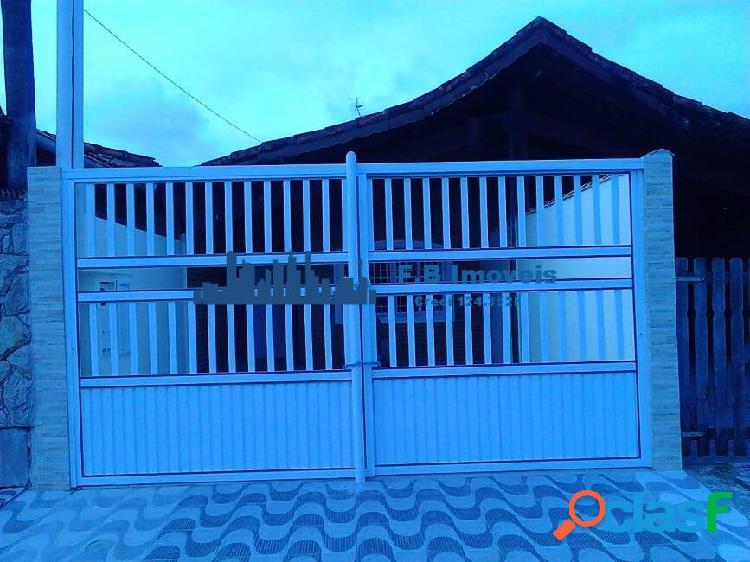 Vende casa 5 dorms sendo 3 suítes no maracanã