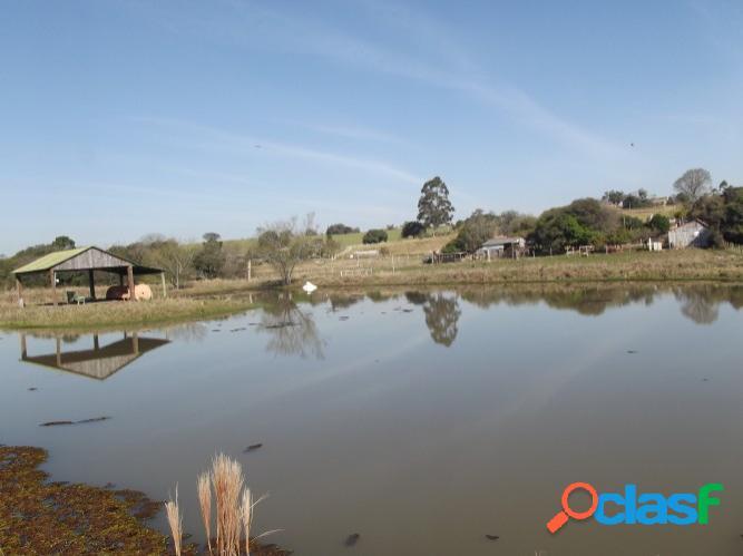 Horzem imóveis vende sitio com 2 hectares, açude, lombas/viamão