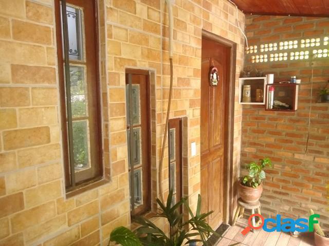 Bela Casa de alvenaria 120m², Salão de festas, São Lucas/ Viamão