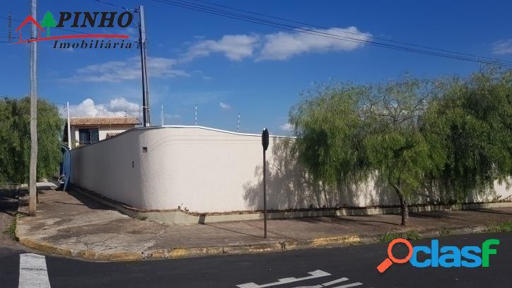 Vende-se excelente terreno de esquina no bairro Vila Rica em