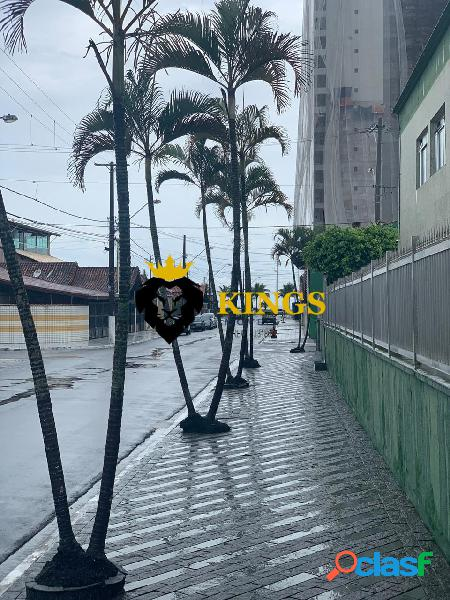 Kitnet c/ Garagem - Uma quadra da Praia - Vila Caiçara / Praia Grande