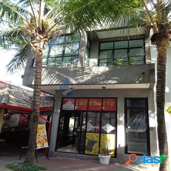 Centro comercial alphaville - calçada dos gerânios