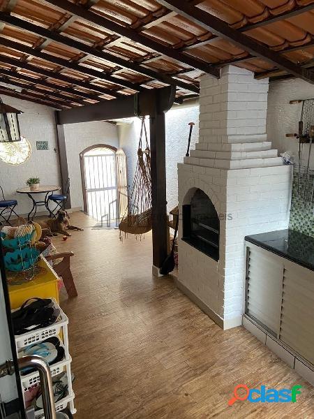 2 suites 1 quarto 200 m2 com churrasqueira e 1 vaga