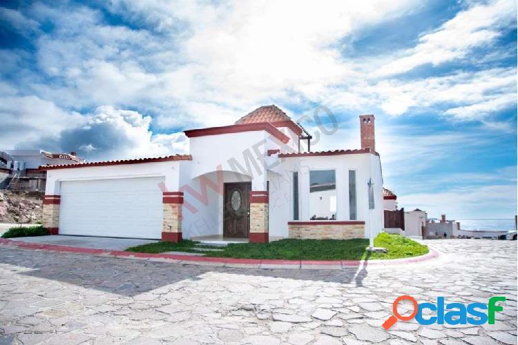 Casa en venta residencial privado con vista al mar y cerca de la playa.