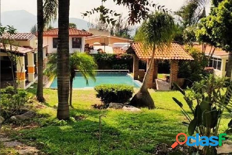 Casa con alberca en lomas de santa anita, tlajomulco