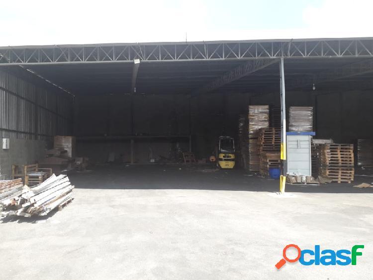 Área para locação de 4.000 m² jd isaura santana de parnaíba