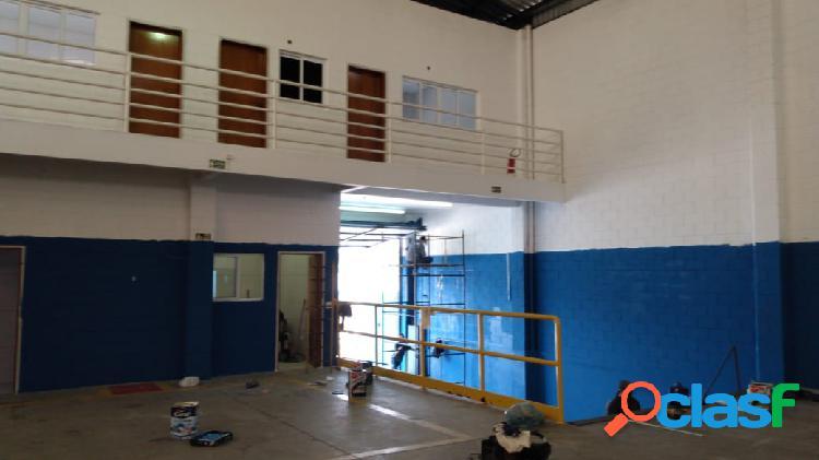 Galpão deposito para locação de 640 m2 área total jd california barueri