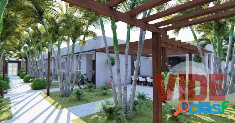 Caraguatatuba: casa térrea, em condomínio, 2 dormitórios, ac 50 m², 1 vaga