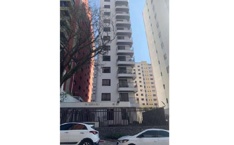 Apartamento para venda com 210 metros quadrados com 4