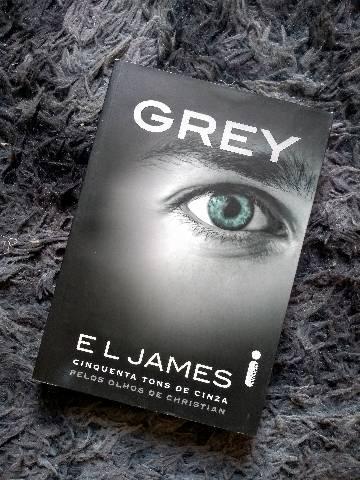 Livro grey (50 tons de cinza)